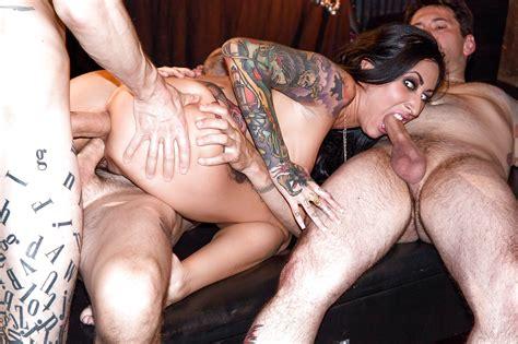 Drunk slut gangbang videos and porn movies pornmd jpg 1280x853