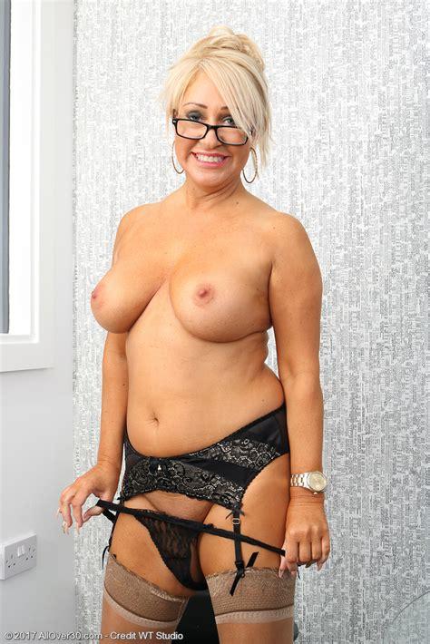Aged cunts hot mature milf mom granny pussy tit hairy jpg 683x1024