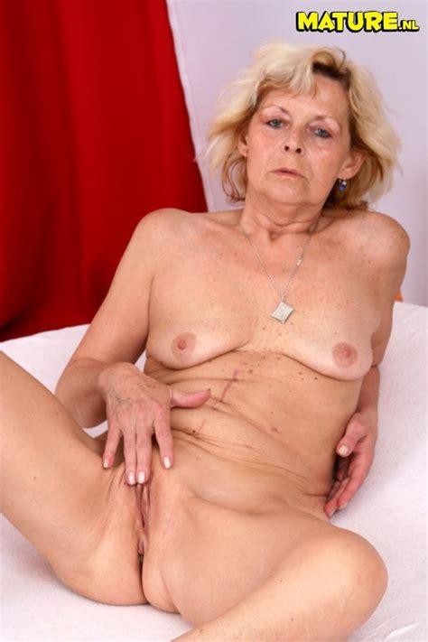 Nude oldies quality picture galleries nude older women jpg 512x768