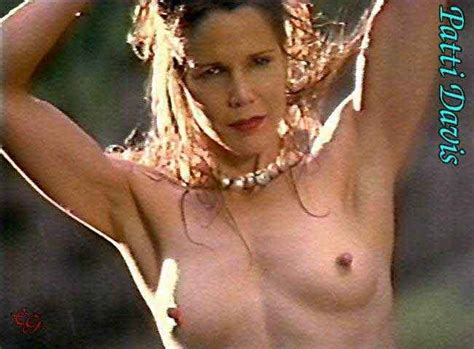 Ronald reagans playmate daughter patti davis poses nude jpg 651x480